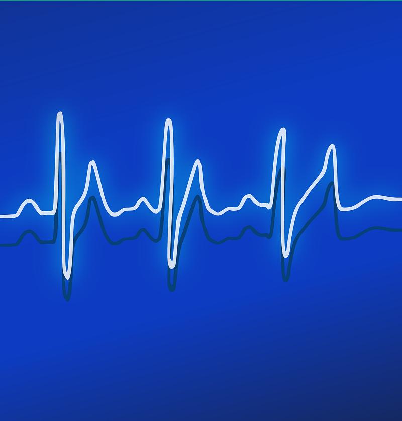 ritmo cardiaco ansioso pinchazos en el pecho